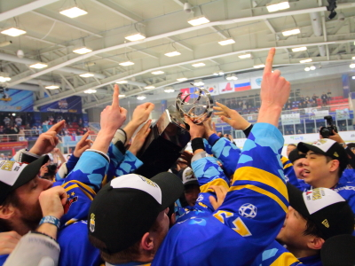 AsiaLeagueIceHockey_16-17_Champion_Halla_Web03.JPG
